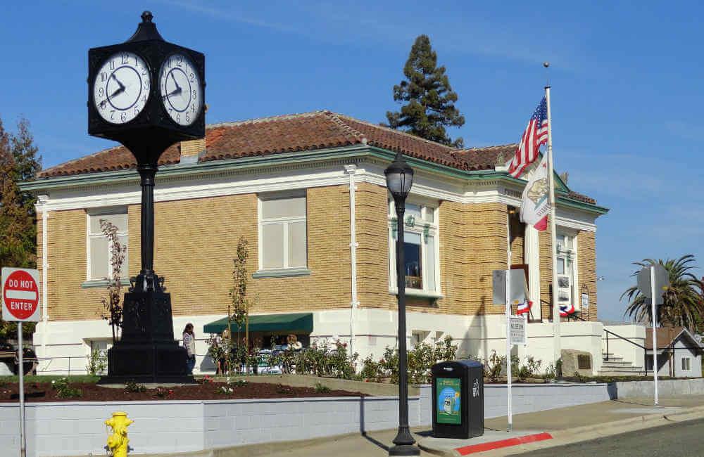 Roseville CA Library